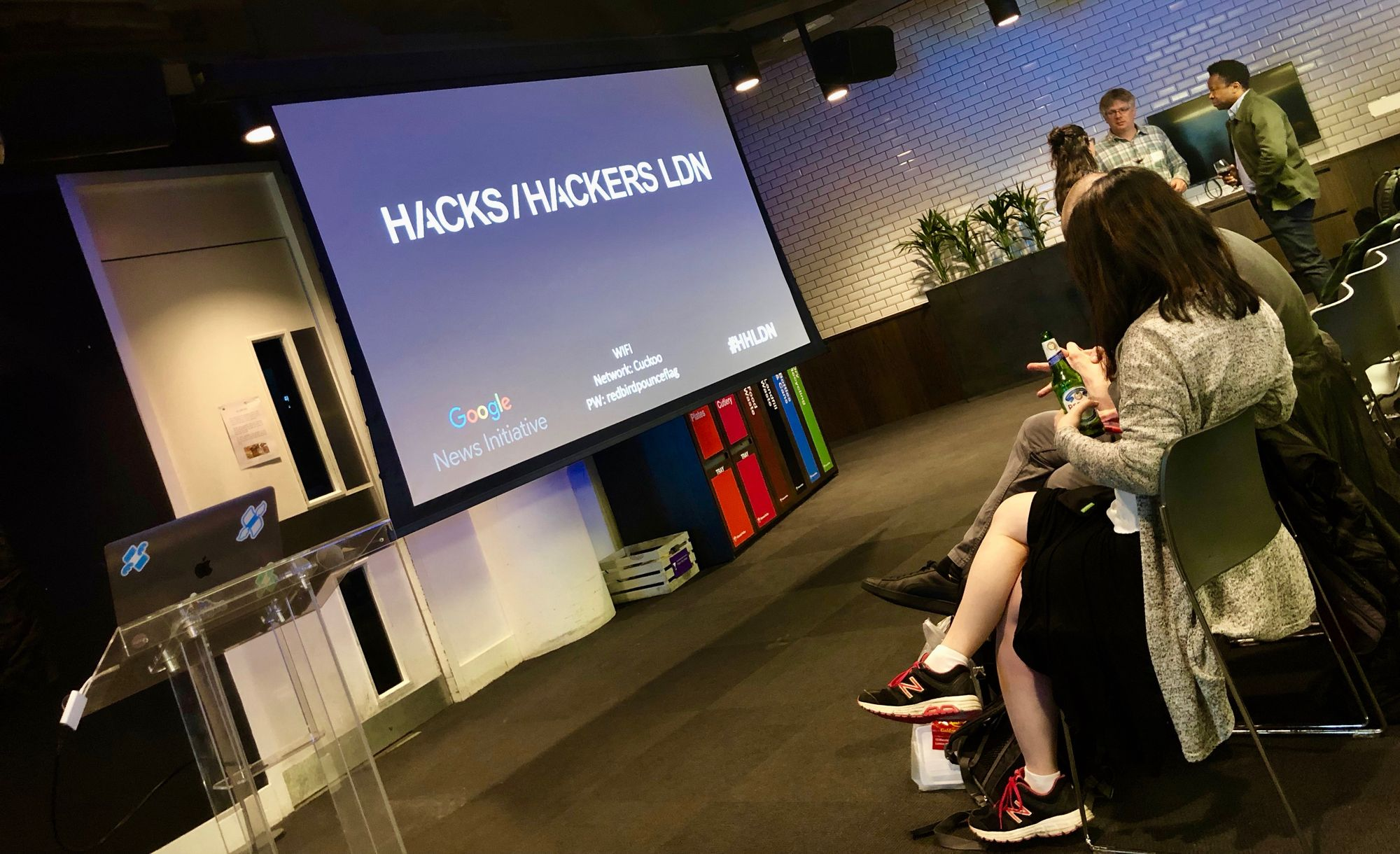 Hacks/Hackers London: News for millennial investors, engaged
